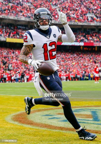Kenny Stills of the Houston Texans celebrates his 54-yard touchdown reception during the first quarter against the Kansas City Chiefs in the AFC...