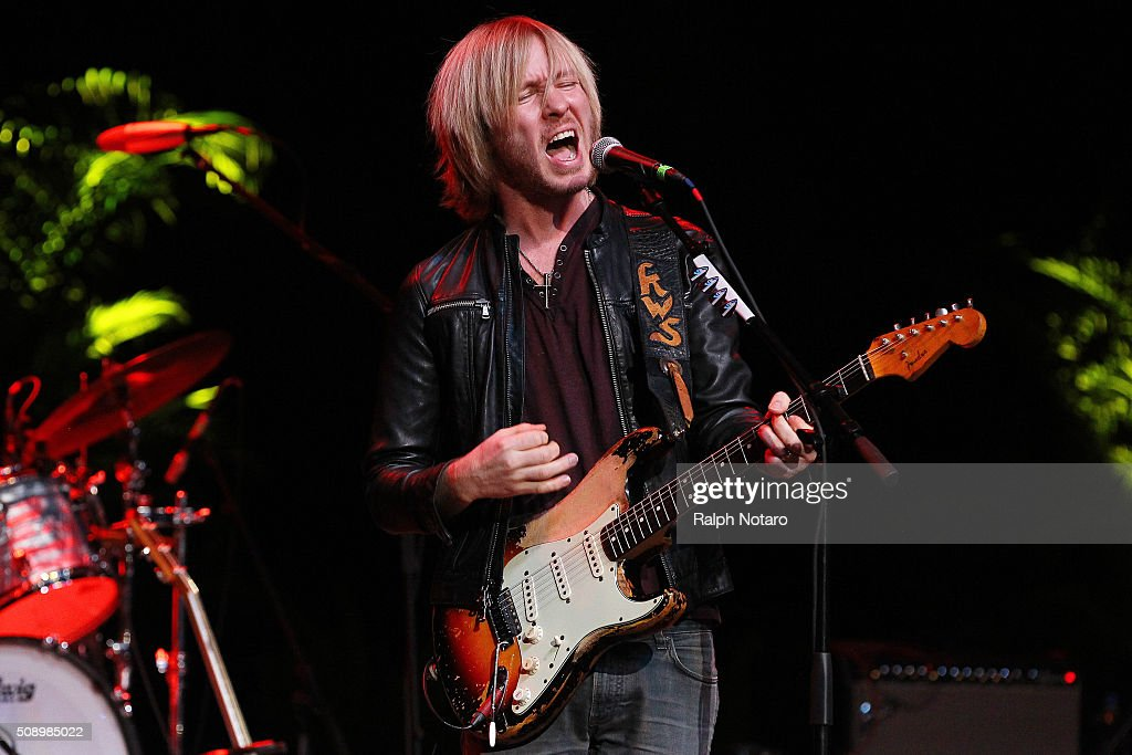 Kenny Wayne Shepherd performs at Seminole Tribal Fair in Hard Rock Live at the Seminole Hard Rock Hotel & Casino Hollywood on February 7, 2016 in Hollywood, Florida.