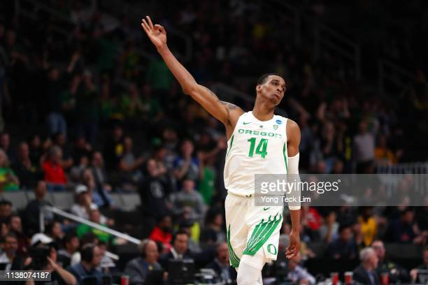 Kenny Wooten of the Oregon Ducks celebrates after a play in the second half against the UC Irvine Anteaters during the second round of the 2019 NCAA...