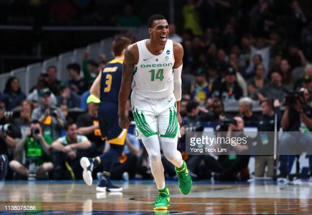 Kenny Wooten of the Oregon Ducks celebrates late in the second half against the UC Irvine Anteaters during the second round of the 2019 NCAA Men's...