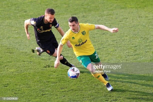 KennyMcLean of Norwich City and Tom Cleverley of Watford FC battle for the ball during the Sky Bet Championship match between Norwich City and...