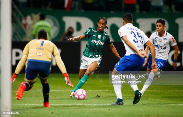 Keno of Palmeiras in action during the match between Palmeiras and Cruzeiro for the Brasileirao Series A 2017 at Allianz Parque Stadium on October 30...