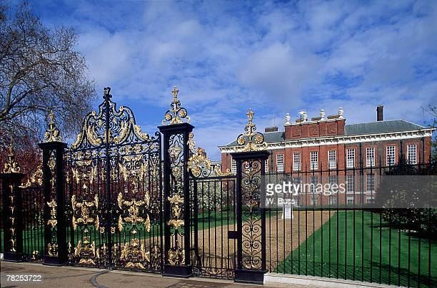 kensington palace in england - kensington palace stock pictures, royalty-free photos & images