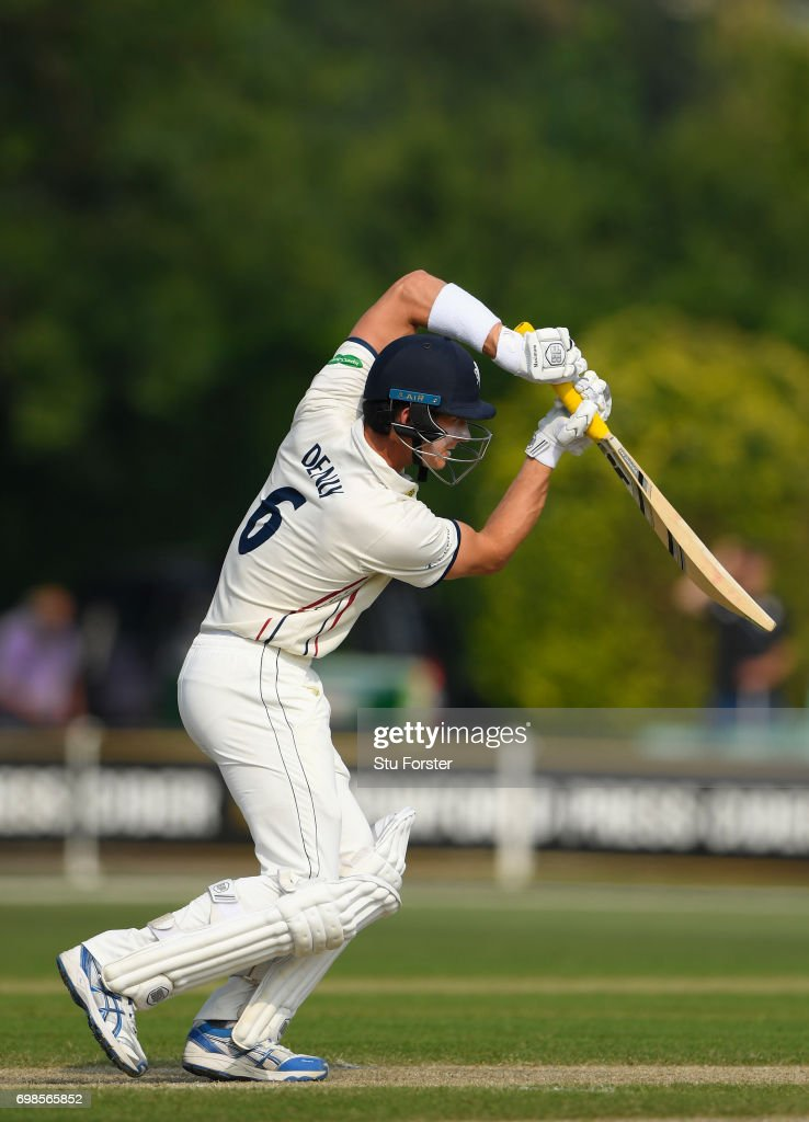 Worcestershire v Kent - Specsavers County Championship Division Two