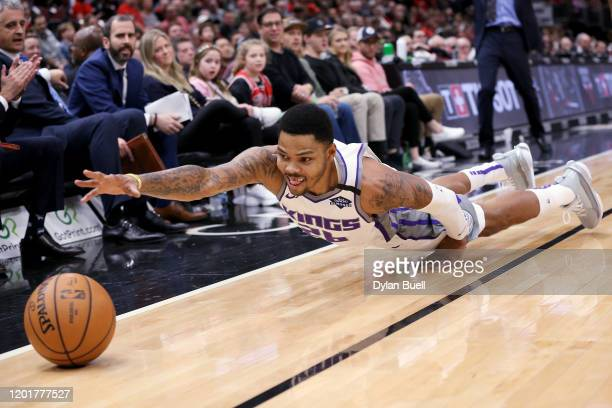 Kent Bazemore of the Sacramento Kings dives for a loose ball in the third quarter against the Chicago Bulls at the United Center on January 24 2020...