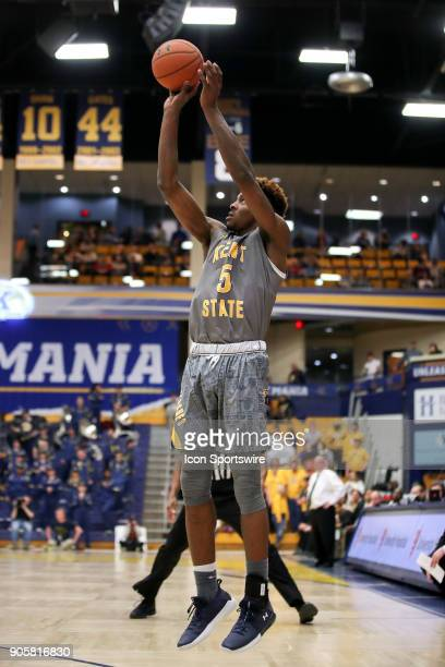 Kent State Golden Flashes forward Danny Pippen shoots during the second half of the men's college basketball game between the Western Michigan...