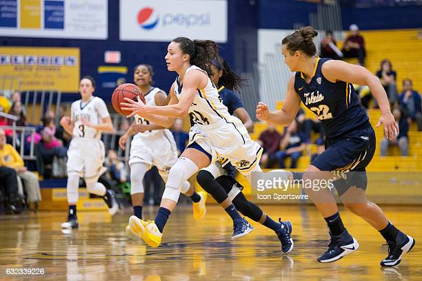 Kent State Golden Flashes G Alexa Golden passes on a fast break during the fourth quarter of the NCAA Women's Basketball game between the Toledo...