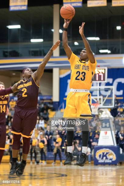 Kent State Golden Flashes G Jaylin Walker shoots a 3point shot as Central Michigan Chippewas G Braylon Rayson defends during the second half of the...