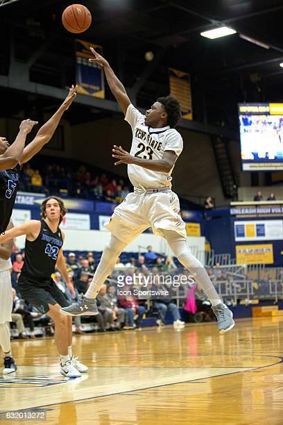 Kent State Golden Flashes G Jaylin Walker shoots against Buffalo Bulls G CJ Massinburg during the second half of the NCAA Men's Basketball game...