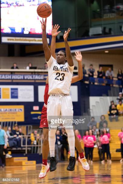 Kent State Golden Flashes G Jaylin Walker shoots as Miami RedHawks F Marcus Weathers defends from behind during the second half of the men's college...