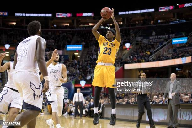 Kent State Golden Flashes G Jaylin Walker shoots during the second half of the MAC mens basketball tournament championship game between the Kent...