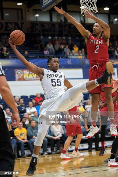 Kent State Golden Flashes G Kevin Zabo throws an off balance pass as Miami RedHawks F Rod Mills Jr defends during the second half of the men's...