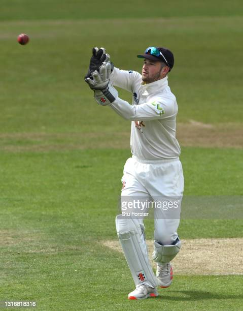 Kent wicketkeeper Ollie Robinson in action during day two of the LV= Insurance County Championship match between Yorkshire and Kent at Emerald...