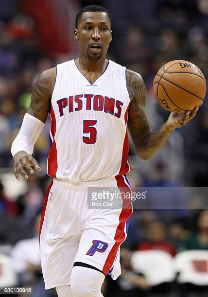 Kentavious CaldwellPope of the Detroit Pistons dribbles the ball against the Washington Wizards at Verizon Center on December 16 2016 in Washington...