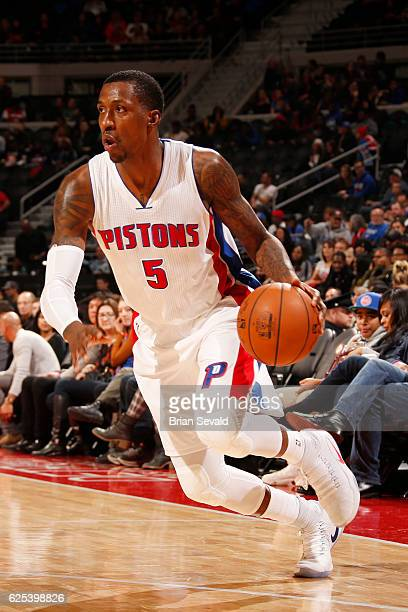 Kentavious CaldwellPope of the Detroit Pistons handles the ball against the Miami Heaton November 23 2016 at The Palace of Auburn Hills in Auburn...
