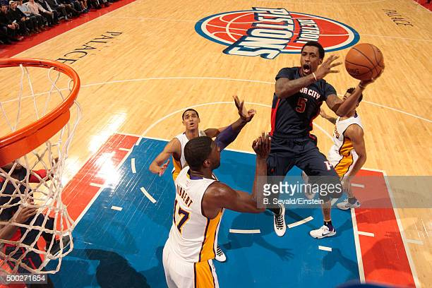 Kentavious CaldwellPope of the Detroit Pistons shoots the ball during the game against the Los Angeles Lakers on December 6 2015 at The Palace of...