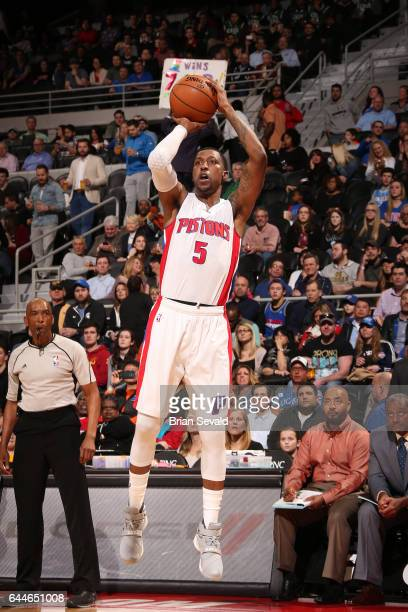 Kentavious CaldwellPope of the Detroit Pistons shoots the ball against the Charlotte Hornets on February 23 2017 at The Palace of Auburn Hills in...