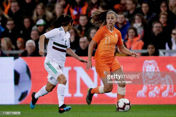 Kenti Robles of Mexico Women Lieke Martens of Holland Women during the International Friendly Women match between Holland v Mexico at the GelreDome...