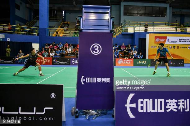 Kento Momota of Japan competes against Kwang Hee Heo of Korea during the EPlus Badminton Asia Team Championships 2018 at Sultan Abdul Halim Stadium...