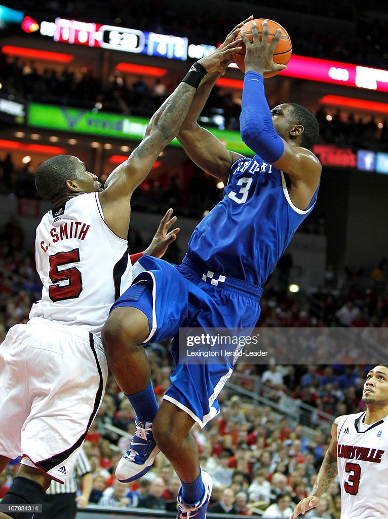 Kentucky v Louisville : News Photo