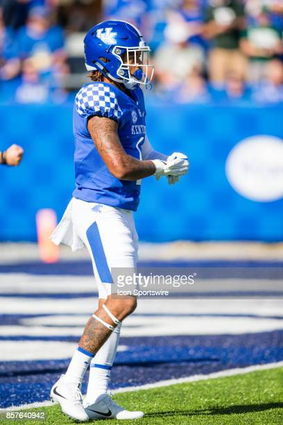 Kentucky wide receiver Lynn Bowden gets ready for the kickoff during a regular season college football game between the Eastern Michigan Eagles and...