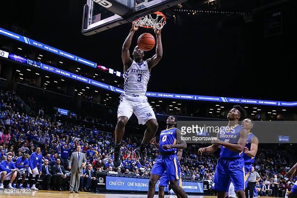 Kentucky Wildcats forward Edrice Adebayo dunks during the second half of the NCAA Men's basketball game between the Kentucky Wildcats and the Hofstra...