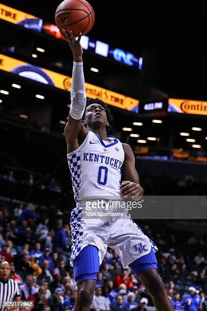 Kentucky Wildcats guard De'Aaron Fox during the second half of the NCAA Men's basketball game between the Kentucky Wildcats and the Hofstra Pride on...