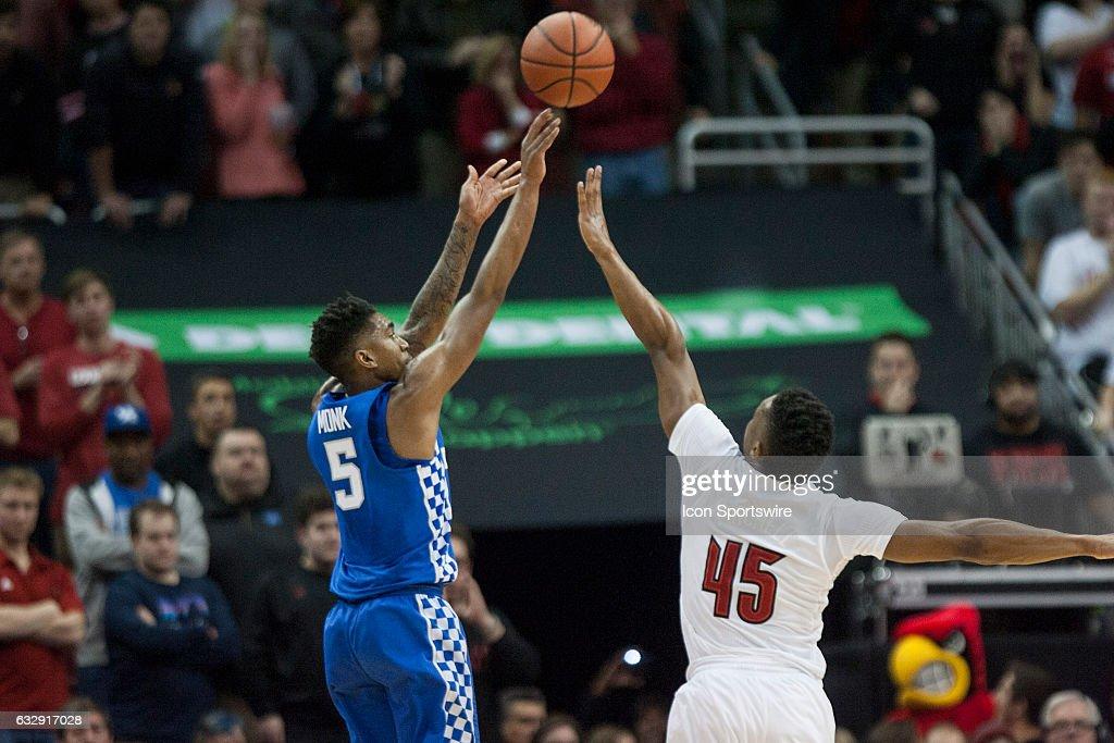 COLLEGE BASKETBALL: DEC 21 Kentucky at Louisville : News Photo