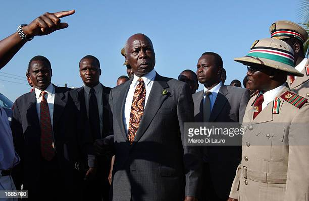 Kenyan President Daniel Arap Moi arrives at the Paradise Hotel where several Israeli tourists died after a suicide attack November 29 2002 in Mombasa...