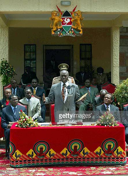 Kenyan president Daniel arap Moi makes a speech in Eldoret 31 October 2002 after the ceremony in which president Moi endorsed a peace accord signed...