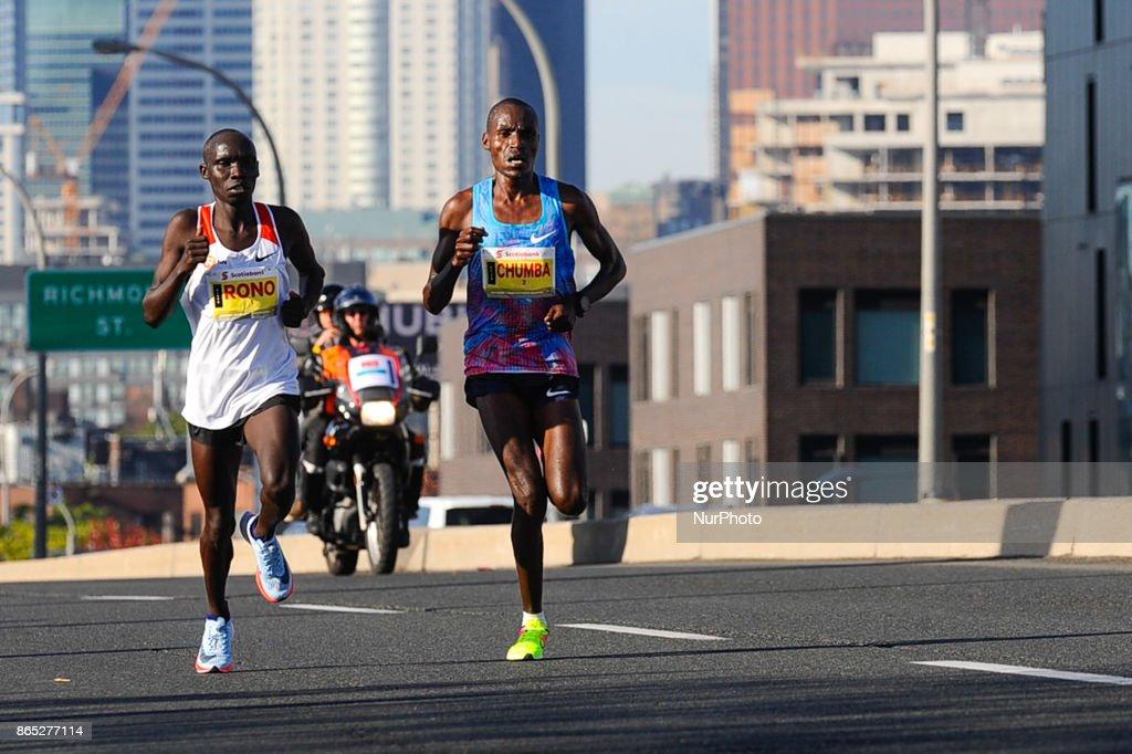 Scotiabank Toronto Waterfront Marathon : News Photo