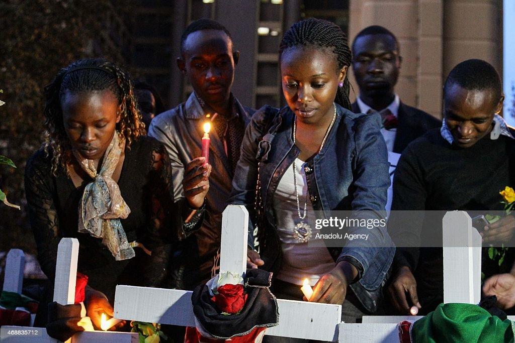 Kenyans hold vigil to mourn Garissa victims : News Photo
