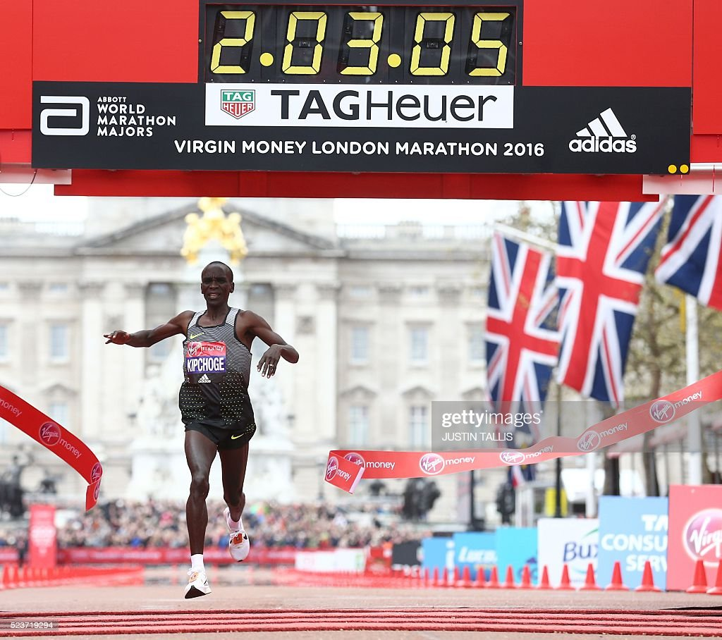 ATHLETICS-GBR-MARATHON : News Photo