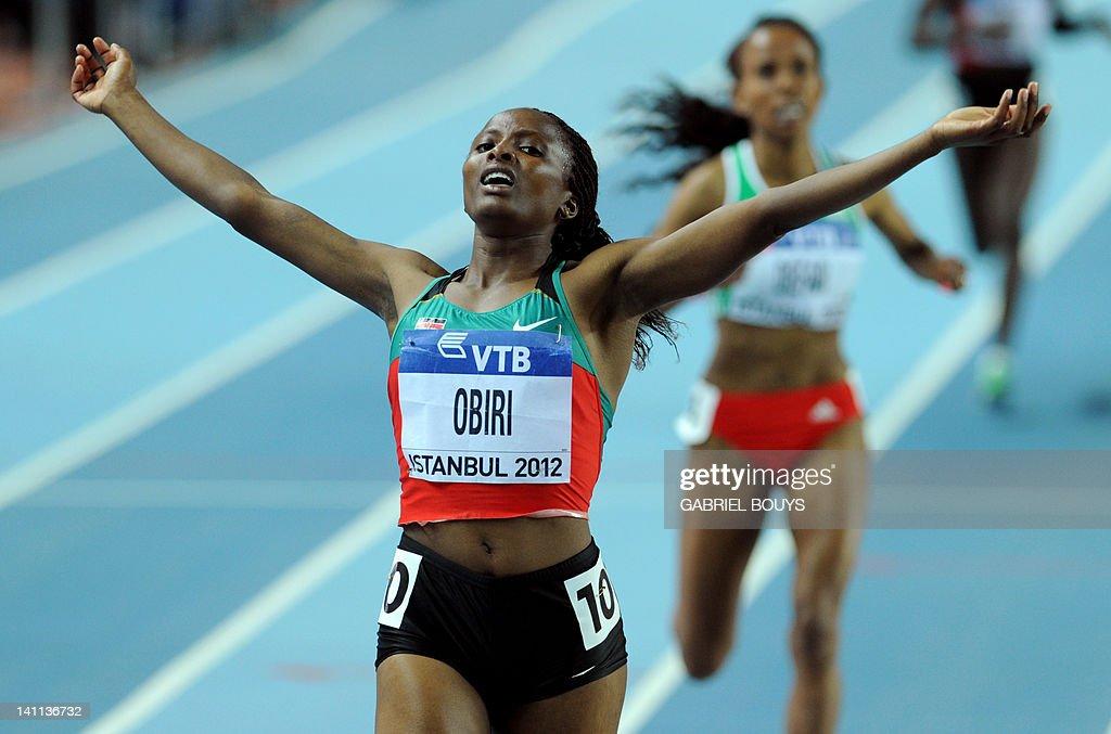 Kenya's Hellen Obiri celebrates after wi : News Photo