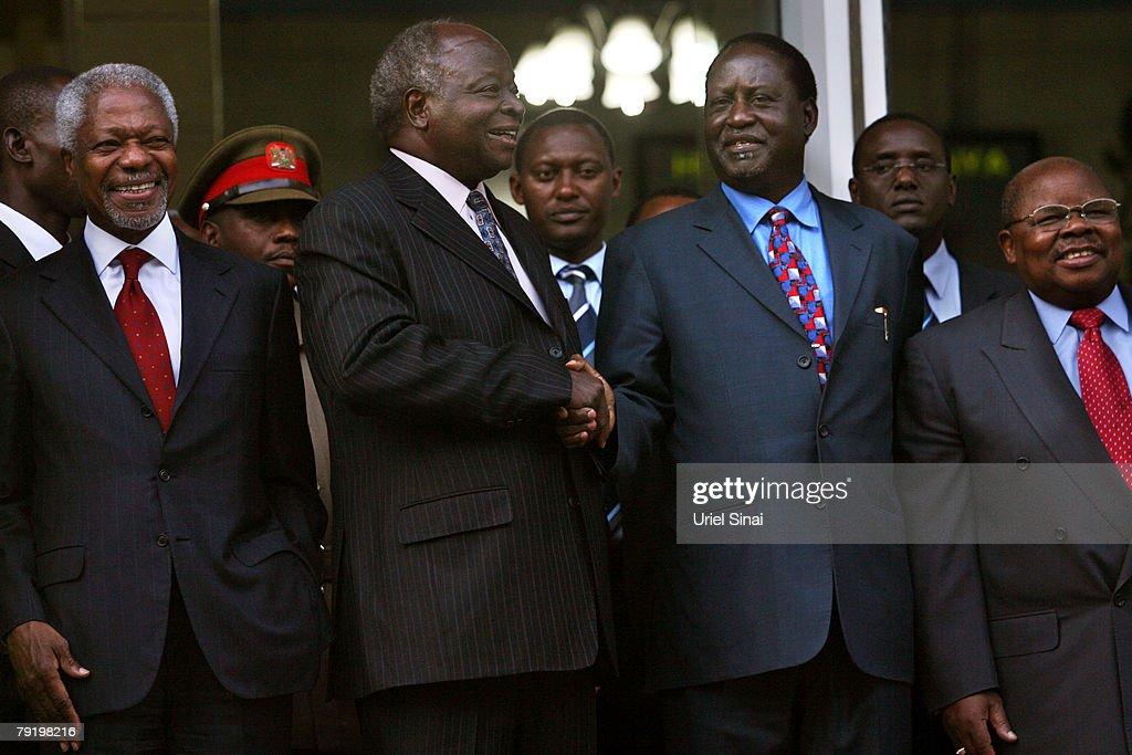 Mwai Kibaki and Raila Odinga Talks : News Photo