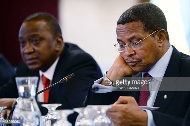 Kenya's President Uhuru Kenyatta and Tanzania's President Jakaya Kikwete attend a roundtable discussion with American and African business leaders at...