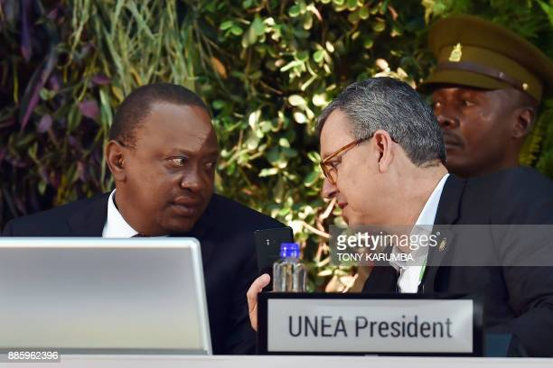 Kenya's President Uhuru Kenyatta speaks with Dr Edgar Gutiérrez Minister of Environment and Energy of Costa Rica and president of the 2017 UN...