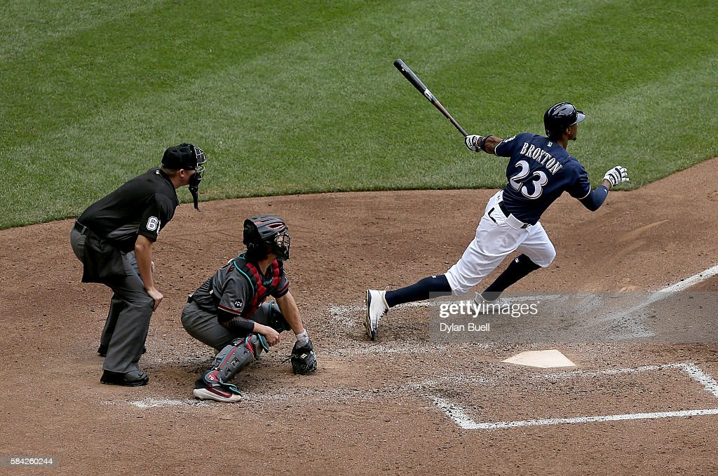 Keon Broxton #23 of the Milwaukee Brewers hits a double in the sixth inning against the Arizona Diamondbacks at Miller Park on July 28, 2016 in Milwaukee, Wisconsin.
