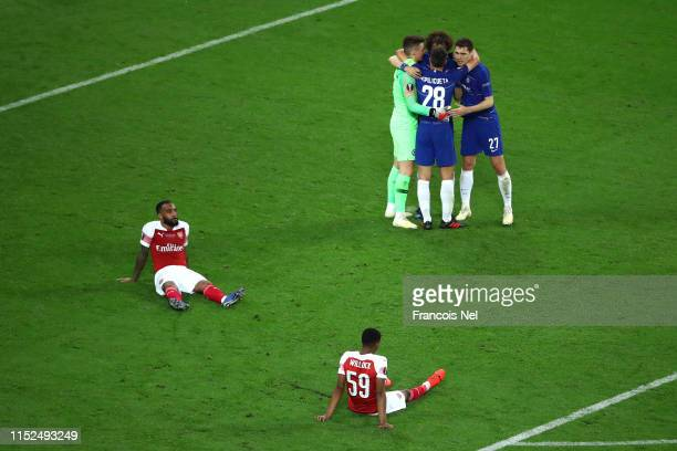 Kepa Arrizabalaga, Cesar Azpilicueta, David Luiz of Chelsea and Andreas Christiansen of Chelsea celebrates victory as Alexandre Lacazette and Joe...