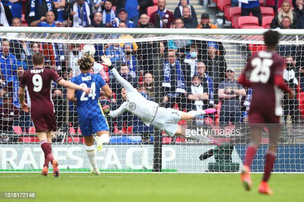 Kepa Arrizabalaga of Chelsea fails to save as Youri Tielemans of Leicester City scores his team's first goal during The Emirates FA Cup Final match...