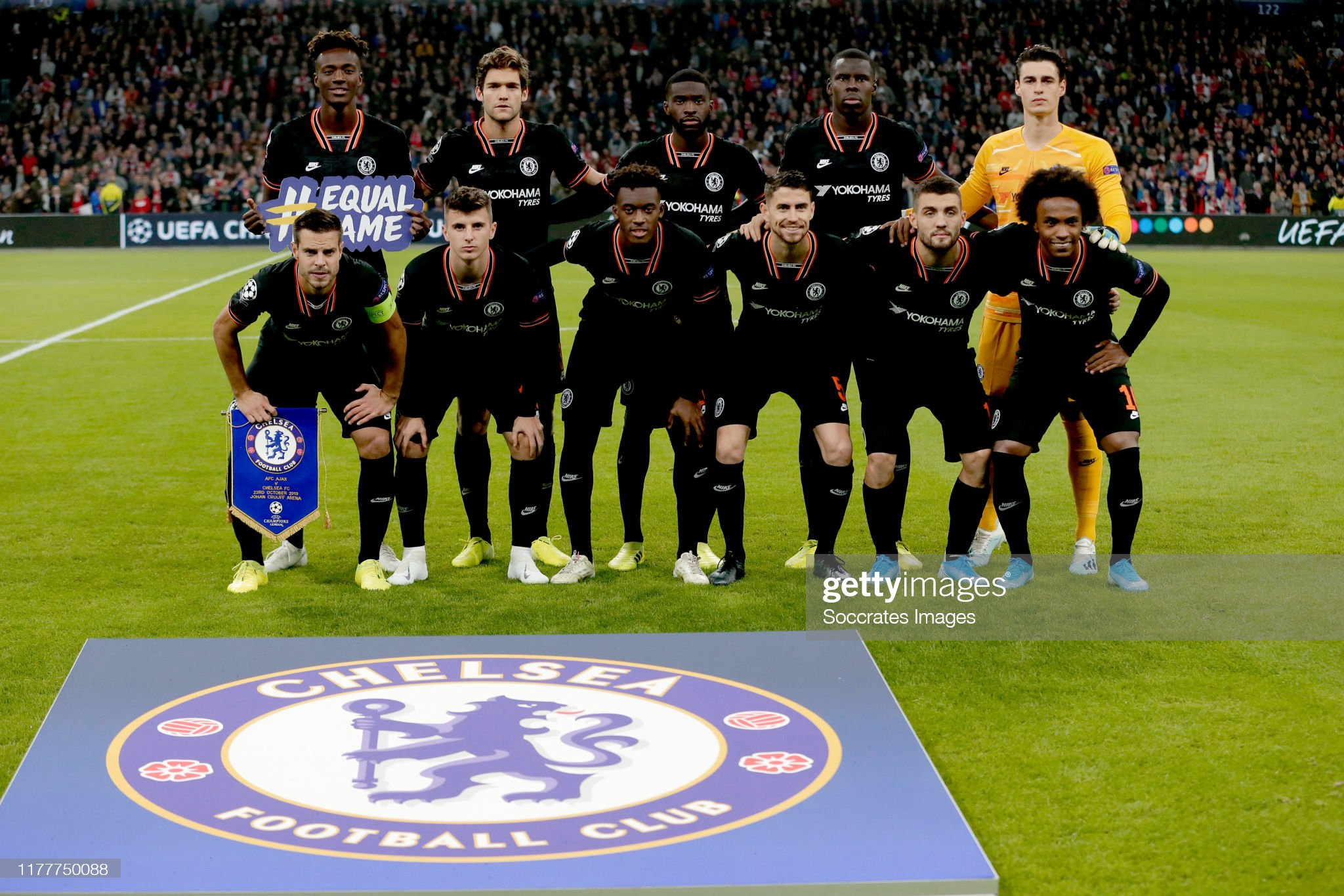 ¿Cuánto mide Tammy Abraham? - Altura - Real height Kepa-arrizabalaga-of-chelsea-fc-marcos-alonso-of-chelsea-fc-jorginho-picture-id1177750088?s=2048x2048