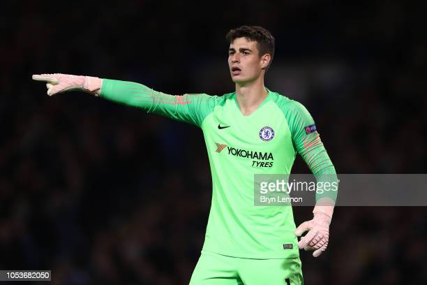 Kepa Arrizabalaga of Chelsea instructs the team during the UEFA Europa League Group L match between Chelsea and FC BATE Borisov at Stamford Bridge on...