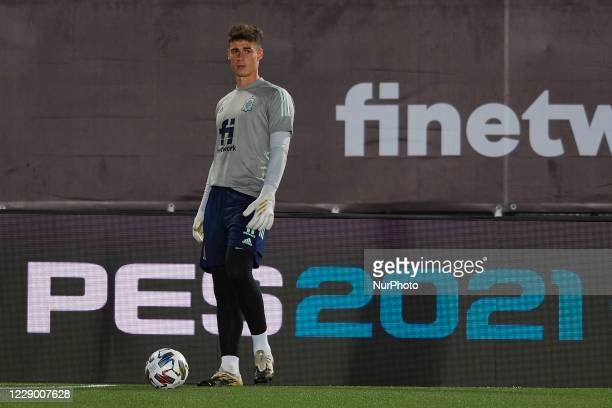 Kepa Arrizabalaga of Spain during the warmup before the UEFA Nations League group stage match between Spain and Switzerland at Estadio Alfredo Di...