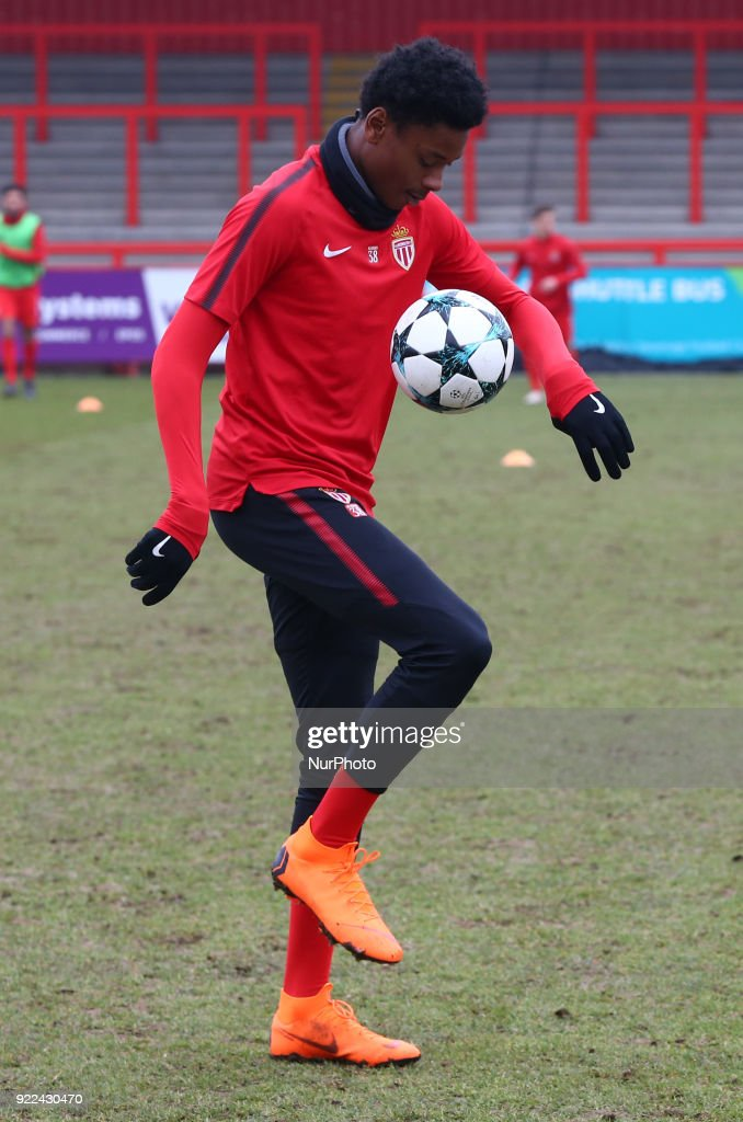 Tottenham Hotspur U19 v Monaco U19: UEFA Youth League : Fotografía de noticias