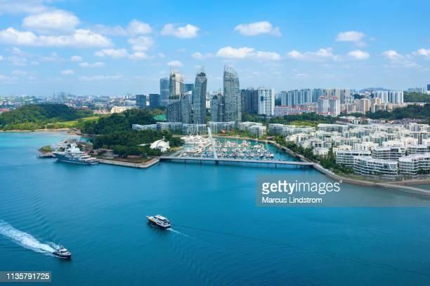 keppel bay, singapore - nederzettingen stockfoto's en -beelden