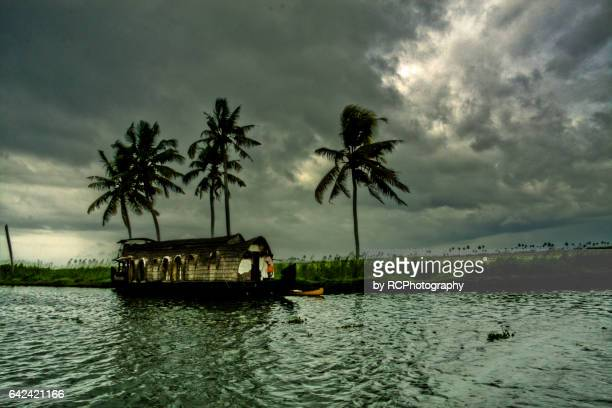 kerala houseboat - monsoon stock pictures, royalty-free photos & images
