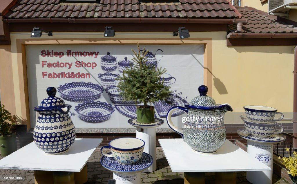 Keramik Fabrikverkauf Bunzlau Niederschlesien Polen : News Photo