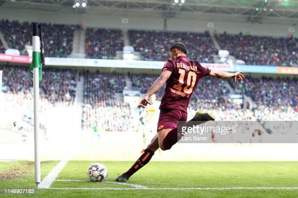 Kerem Demirbay of 1899 Hoffenheim takes a corner kick during the Bundesliga match between Borussia Moenchengladbach and TSG 1899 Hoffenheim at...