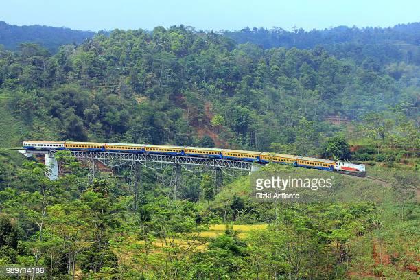 Kereta Api Lokal Bumi Parahyangan