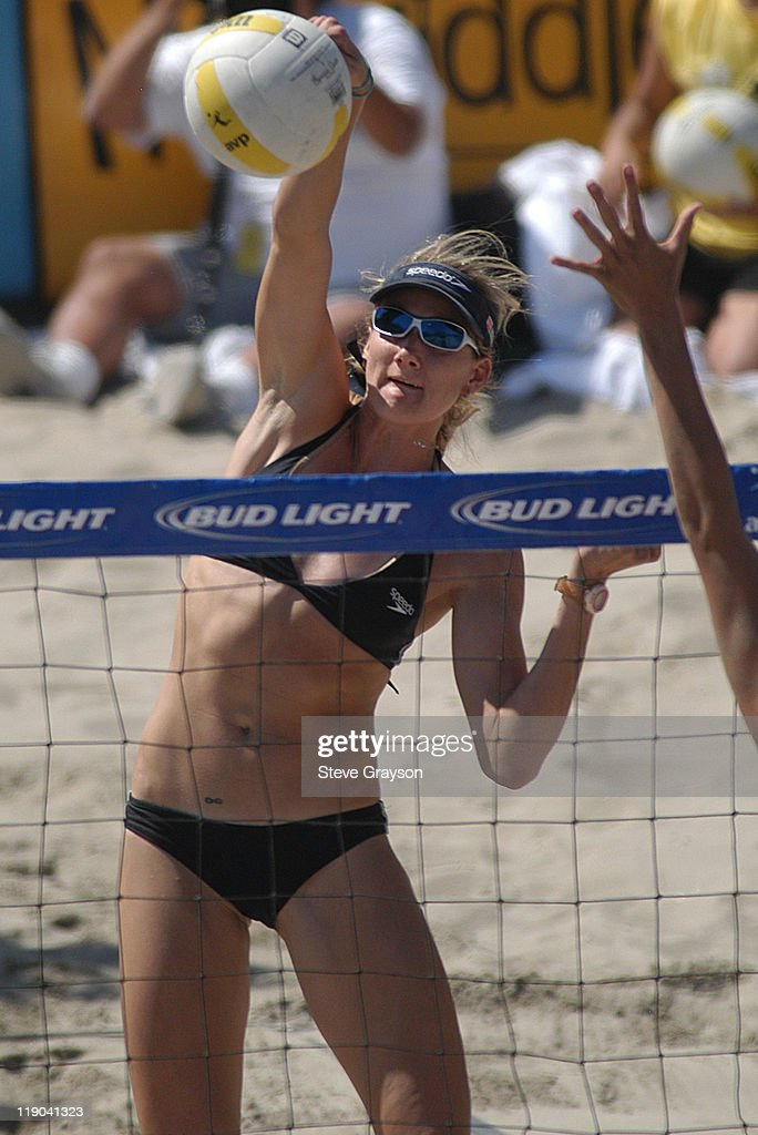 Kerri Walsh hits a spike in the women's final of the 2004 AVP Nissan Series Hungting Beach Open at the Huntington Beach Pier, May 30, 2004.